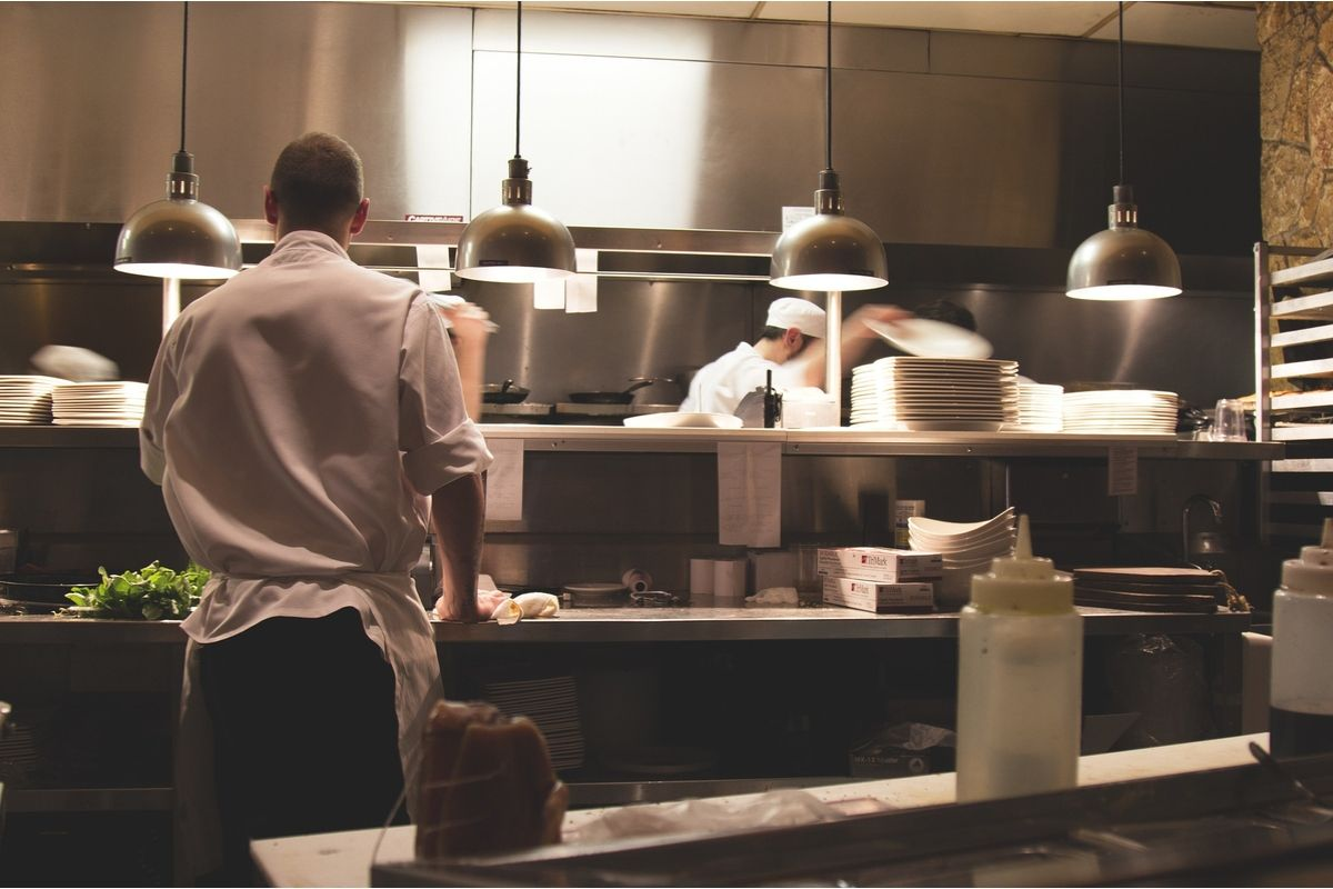 restaurant kitchen scene